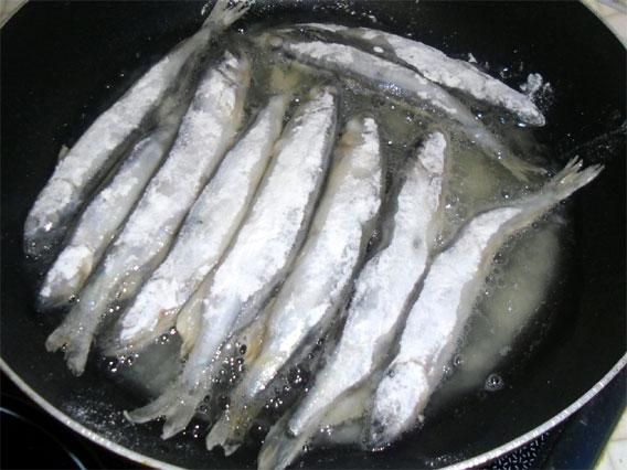 Выкладываем на сковородку