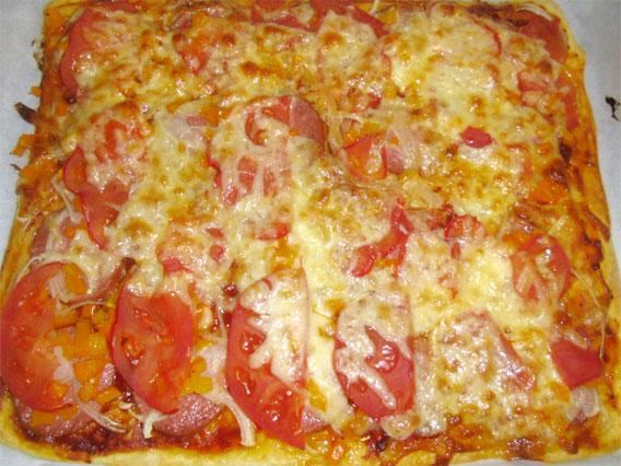 Пиццу мы готовили всей семьей мама
